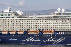 Ferrys-boat, bateaux de croisière s'accouplant au port de Le Pirée, Grèce Photo stock