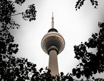 Fersehturm a Alaxendar Platz, Berlino, Germania immagini stock libere da diritti