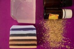 Fertigung der Seife im Haus Stockfotografie