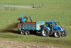 Fertilizzazione dei campi Immagini Stock