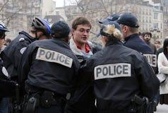 Fervente katholiek wordt gearresteerd in Parijs Royalty-vrije Stock Fotografie