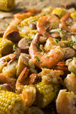 Fervura tradicional caseiro do camarão de Cajun fotografia de stock