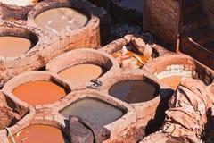 fes摩洛哥皮革厂 免版税库存图片