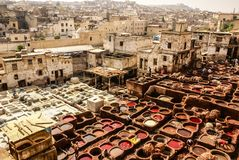 Fes皮革厂,摩洛哥,非洲老坦克菲斯` s tanneri 免版税库存图片