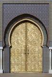 Fes,摩洛哥王宫的大金黄门  库存照片