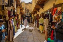 Fes Maroko, Luty, - 28, 2017: Wąskie ulicy w starym Medi Obraz Royalty Free