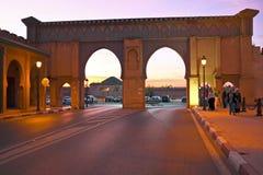 FES. MARRUECOS - 15 DE OCTUBRE: Bab Boujelud Gate al Medina viejo i Fotografía de archivo libre de regalías