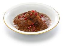 fesenjan的鸡,石榴核桃炖煮的食物,伊朗波斯烹调 库存图片