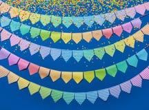 Festão colorida das bandeiras Fundo para um cartão do convite ou umas felicitações Imagem de Stock