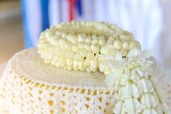 Festão fresca do jasmim na bandeja para o dia da mãe de Tailândia Foto de Stock Royalty Free