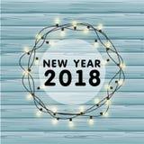 Festão realística do vetor do Natal com ampolas em um fundo de madeira bonito Cartão greating do ano novo 2018 Imagem de Stock