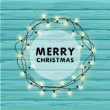 Festão realística do vetor do Natal com ampolas em um fundo de madeira bonito Feliz Natal que cria o cartão Fotografia de Stock