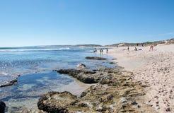 Festa alla spiaggia blu dei fori Immagini Stock