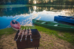 Festa di rilassamento magica sul lago Fotografie Stock Libere da Diritti