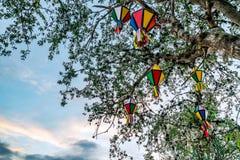 Festa Junina, il sao Joao, partito con le bandiere variopinte ed i palloni accade a giugno immagine stock