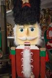 Festa Toy Soldier Display di Natale alla vendita al dettaglio Fotografia Stock