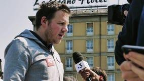 Festa uma entrevista de Macron pela televisão da central de França 3 filme