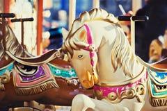 Feste del cavallo dell'attrazione del bambino del parco fotografia stock