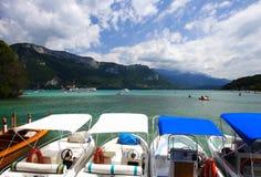 Feste di paesaggio del lago, Francia Immagini Stock