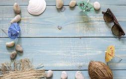 Feste e vacanze estive di tema disposizione Vista superiore immagine stock libera da diritti