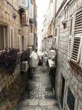 Feste Straße in der alten Mitte von Dubrovnik Lizenzfreies Stockbild