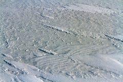 Fester aufblasbarer Schnee auf dem Eis vom Baikalsee Stockfotos