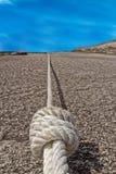Fester Knoten auf dem steigenden Seil Lizenzfreie Stockfotos