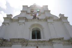 Fester Schuss der Fassade von Mahatao-Kirche Stockfoto
