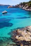 Festgemachte Yachten in Cala Fornells, Majorca Lizenzfreies Stockbild