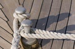 Festgemachtes Boot stockbilder