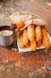 Festin traditionnel d'Espagnol Nourriture populaire de rue - sprinkl de Churros Images stock