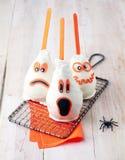 Festins comestibles fantomatiques de Halloween de des bonbons ou un sort Image stock
