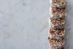 Festins croustillants de riz de chocolat de date d'en haut Images libres de droits