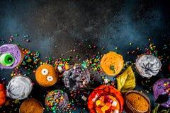 Festins drôles du ` s d'enfants pour Halloween images stock