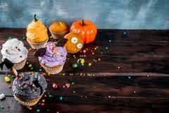 Festins drôles du ` s d'enfants pour Halloween photo libre de droits