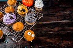 Festins dr?les du ` s d'enfants pour Halloween photographie stock libre de droits