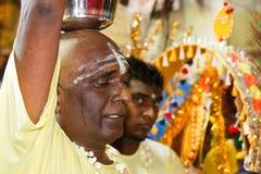 Festival 2012 di Thaipusam: Dedichi nella catalessi immagini stock