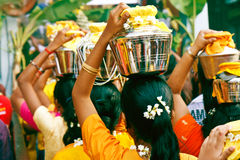 Festival 2012 di Thaipusam: Facendo la coda fino alle caverne Fotografia Stock Libera da Diritti