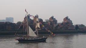 Festival alto de las naves de Londres el río Támesis Foto de archivo libre de regalías