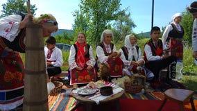 Festival anual de la rosa-cosecha en Bulgaria almacen de video