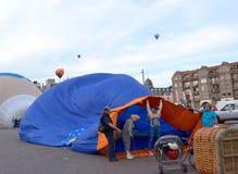 Festival chaud annuel de ballon à air dans Sint-Niklaas photographie stock libre de droits
