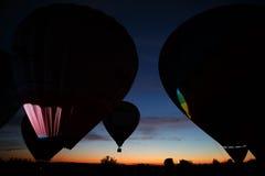 Festival chaud de ballons à air dans Pereslavl-Zalessky, vol de nuit de Yaroslavl Oblast dedans le 16 juillet 2016 Images stock