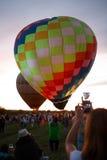 Festival chaud de ballons à air dans Pereslavl-Zalessky, vol de nuit de Yaroslavl Oblast dedans le 16 juillet 2016 Images libres de droits
