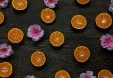 Festival chino del Año Nuevo de los accesorios de la visión superior Naranja rebanada Fotografía de archivo