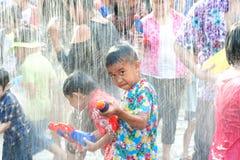 Festival da água em Tailândia. Imagens de Stock Royalty Free
