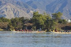 Festival de barco de dragão em Santa Fe Dam Recreation Area imagem de stock royalty free