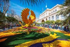 Festival 2019 de citron de Menton, art fait de citrons et oranges Thème fantastique des mondes photos stock