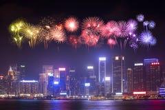 Festival de feux d'artifice au-dessus de ville de Hong Kong photos libres de droits