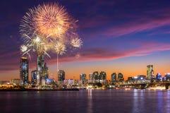 Festival de feux d'artifice de Séoul dans la ville de nuit chez Yeouido, Corée du Sud Photos libres de droits