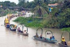 Festival de flottement de bougie de Chado de jeune homme, Thaïlande Photo libre de droits